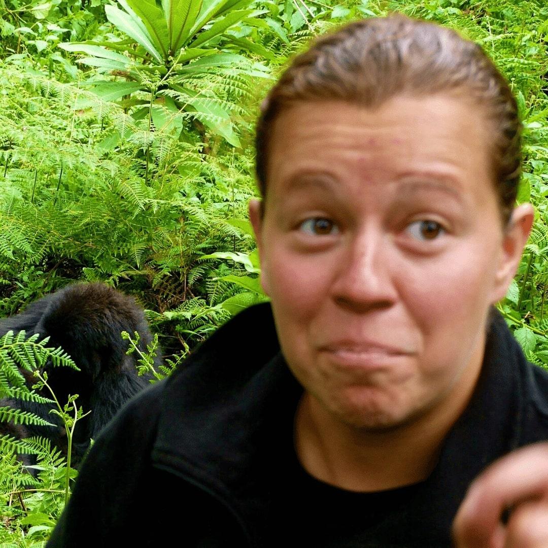 Stephanie beim Gorillra Trekking in Ruanda