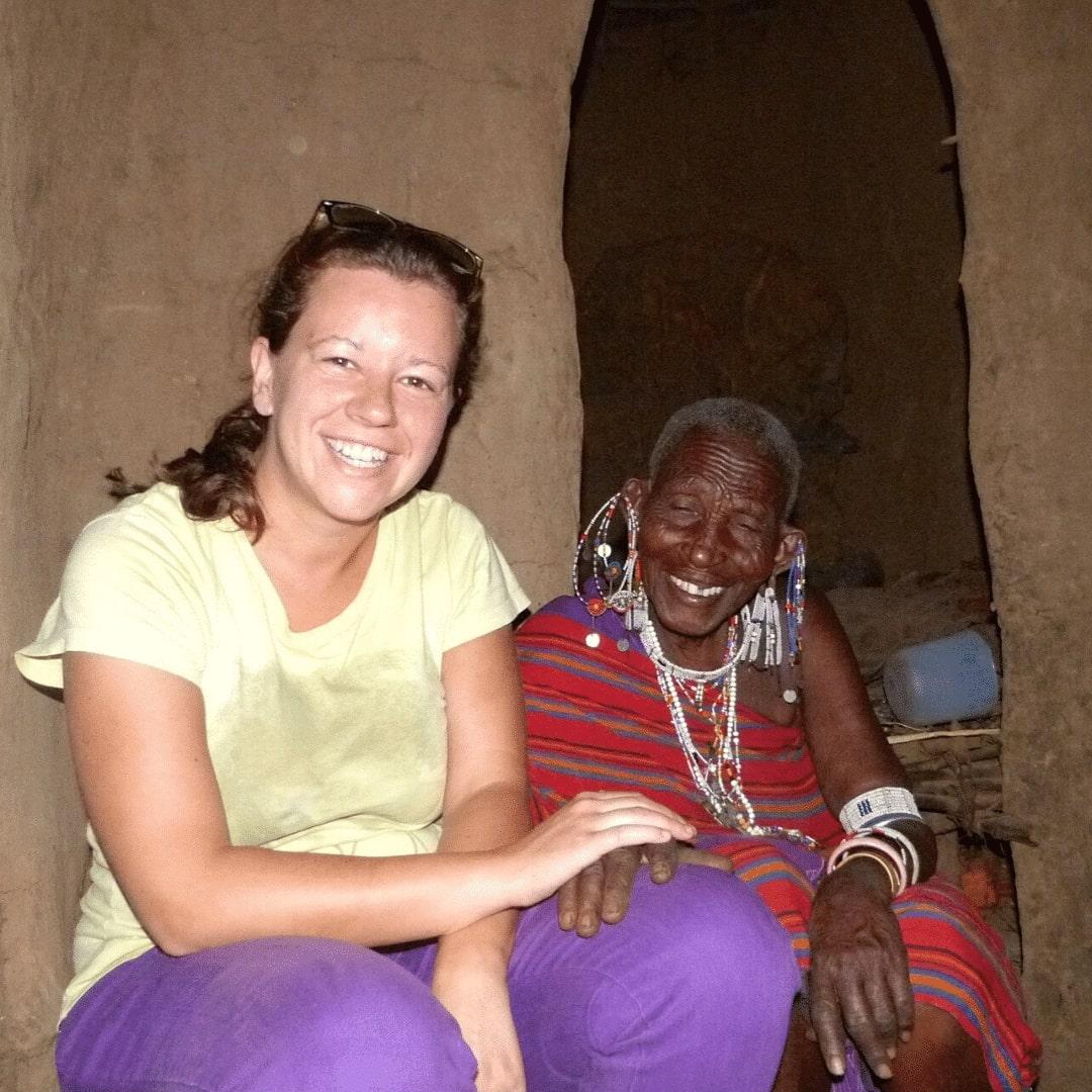 Stephanie im Masai Dorf